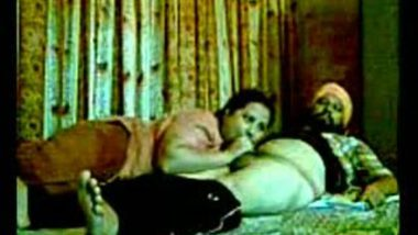 Punjabi aunty blowjob home session with hubby