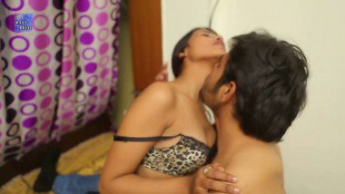 Mature desi wife with secret lover