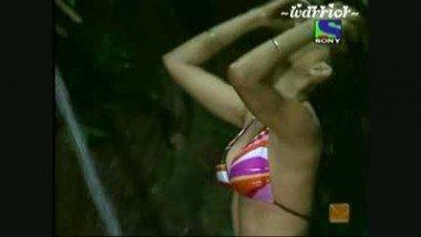 Shweta Tiwari from Jungle SE Bachao