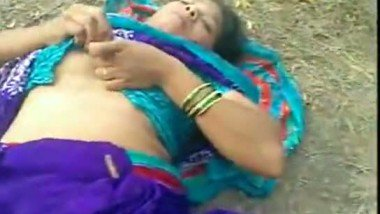 Bangladeshi muslim maid outdoor sex with neighbor