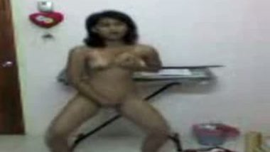 Young desi college girl free porn self-shot