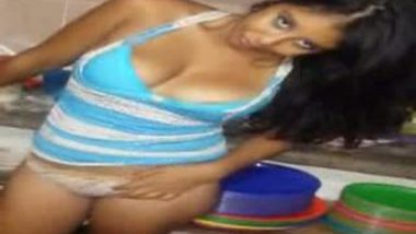 Uttaranchal sexy college teen exposed her asset on demand