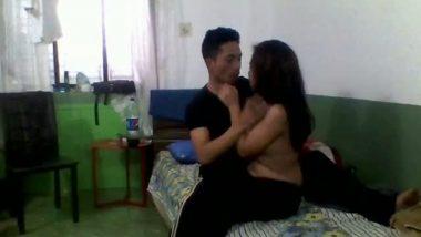 Desi sex of Noida hostel girl hidden cam sex