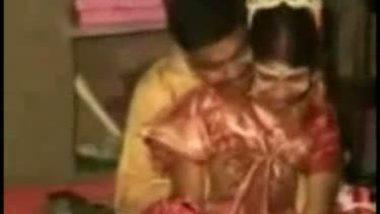 Bengali honeymoon home sex leaked mms reloaded