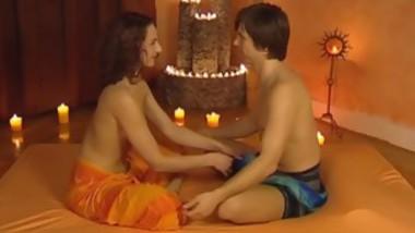 Horny Massage Babe Gives A Good Hand Job