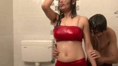 Red hot desi actress tight boobs under shower