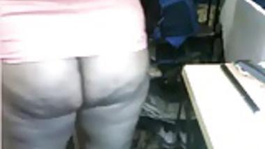 shameless Bangla Desi Aunty big Ass  On Cam