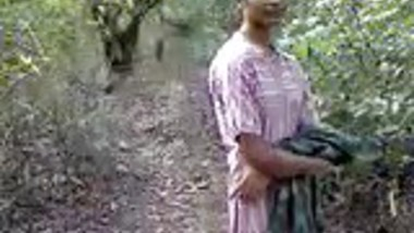Desi Sex in Jungle(jungle main mangle)