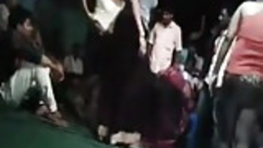 INDIAN DIRTY DANCING WITH BOOBS AND PUSSY FLASHED