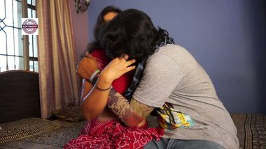 Bollywood aunty porn videos with servant