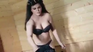 Indian porn girls rakhi sawant caught by hidden cam