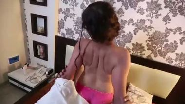 Pornsex gorgeous house wife home sex with lover