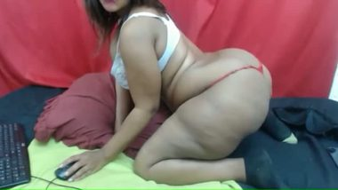 Punjabi huge ass NRI aunty webcam video