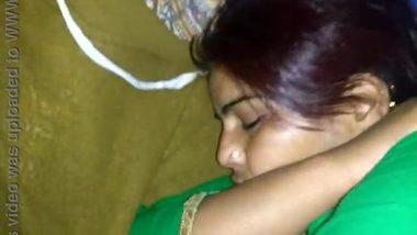 Hot sleepfuck clip of a desi aunty