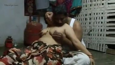 Mature Tamil maid with big boobs