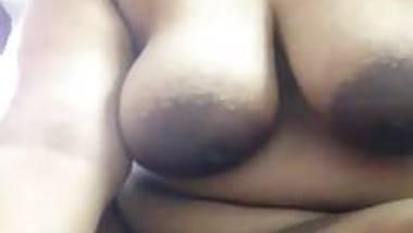 indian horny desi cheating house wife doing masturbation tak