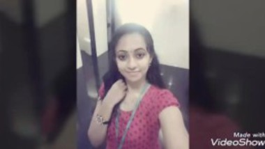 Akshaya Kerala office girl sharing her nude pics