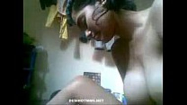 Telugu girl showing her perfect boobs and ass