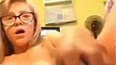 Vídeo de Horny Silly Selfie Teens (537)