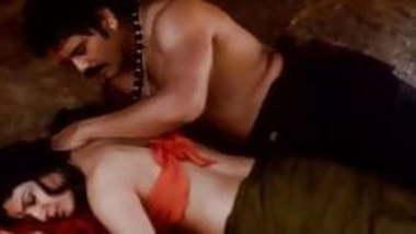 Raveena Tondon :- Me and MY Bhabhi Romance After 10 Yrs