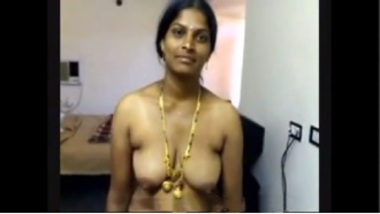 Sexy Telugu Aunty Shows Her Naked Body