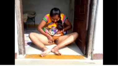Tamil Aunty Flashing Pussy To Her Lover