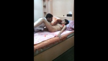 Guy Finger Fucking A Hot Bengali Bhabhi