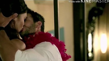 NAVEL - Indian hottest kiss