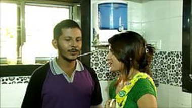 Hot Naukrani Ke Sath Romance Softcore Hindi Short Film