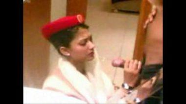 Hot MMS Of Desi Air Hostess' Blowjob