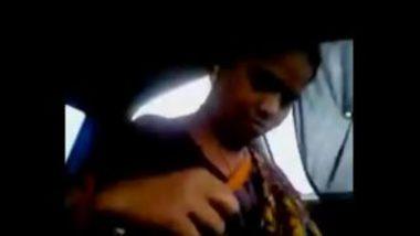 Sexy Tamil Aunty Enjoyed In Car
