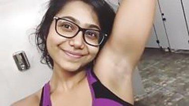 sweet DESI girl showing armpit.mp4