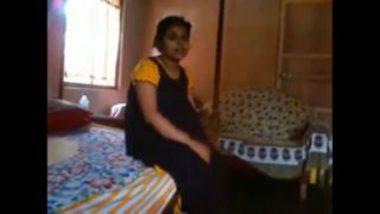 Hot bangla bhabhi rima showing boobs secretly
