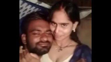 Sexy Indian Village Wife's Secret Boob Pressing Video