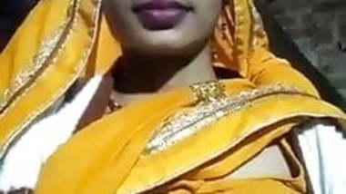 bihari hindu randi apna vidieo bnakar watsp ki