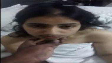 Nude mumbai girlfriend hot blowjob video