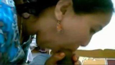 Desi naukrani nirmala sex service to boss