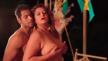 Sexy hindi porn video with mature kamwali bai