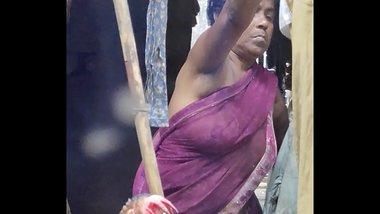 Desi Aunty boob show part 2