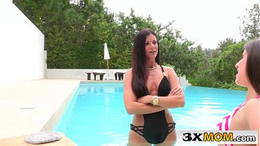 Lusty Safisfaction Exchange with MILF India Summer and Teen Lola Foxx