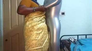 tamil aunty telugu aunty kannada aunty malayalam aunty Kerala aunty hindi bhabhi horny desi north indian south indian horny vanitha wearing saree scho