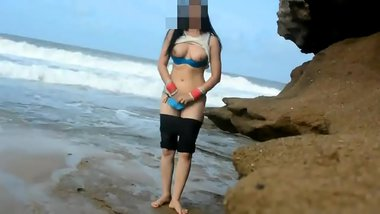 Indian Sex Of Real Life Desi Couple Fucking At Beach - Honeymoon on beach