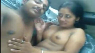 Rich indian guy sex mms with local randi in car