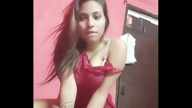 Desi Indian Girl Masturbatng at Home