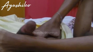 sri lankan teen girl foot job asian couple homemade 2020 සෙක්සි කකුල් දෙක
