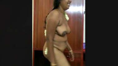 Desi Bhabhi nude captured