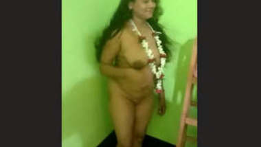 Bhabhi Nude Video Record By Hubby
