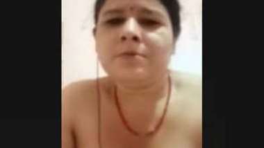 Nepali Milf Showing Nd Fingering On VideoCall With Husband
