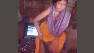 Newly Married Bhabhi Nude Capture After Bath