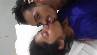 Indian mouthfucking with GF